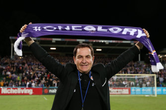 Perth Glory chairman Tony Sage has taken aim at A-League players for not accepting a 30 per cent pay cut.