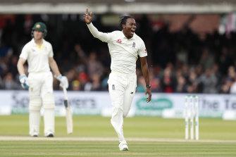 Jofra Archer celebrates taking the second innings wicket of Usman Khawaja.