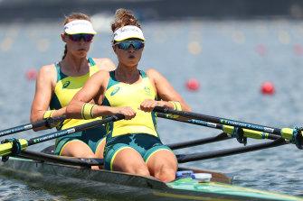 Australian rowers Amanda Bateman and Tara Rigney.