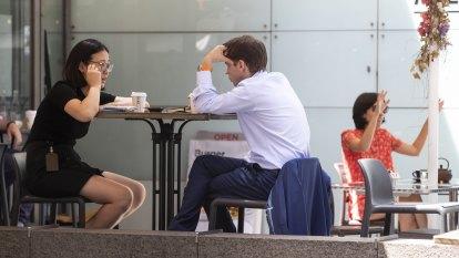 Men earning $260 a week more than women as gender pay gap widens