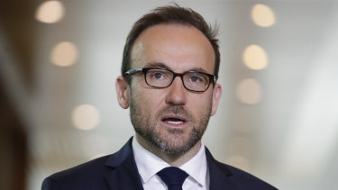 Greens leader Adam Bandt argues too many workers are being forced to choose between their pay and self-isolation.