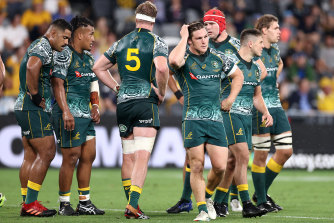 The Wallabies won't be favourites for their Test series with France thuis year, according to Andrew Mehrtens.