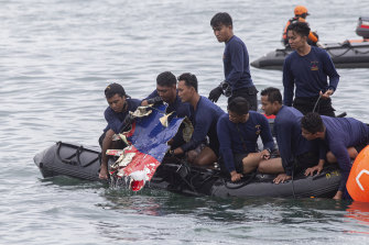 Rescue team find part of a crashed Sriwijaya airplane off the coast of Jakarta.