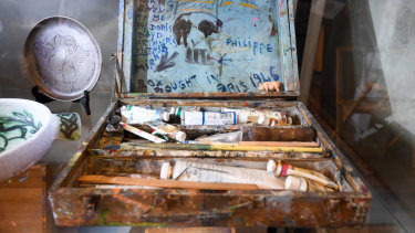 A paintbox given to Mirka Mora by artist Doris Boyd, which Boyd bought in Paris in 1946.