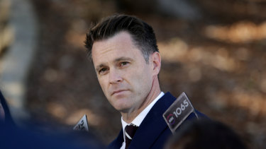 Labor in turmoil as leadership battle between McKay and Minns set to come to a head