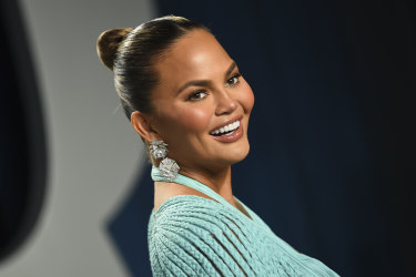 Chrissy Teigen says she has reached out to people she abused on Twitter.
