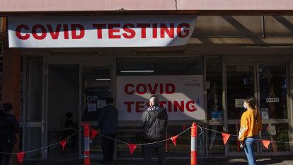 Australia news LIVE: Victoria to enter sixth lockdown by midnight as state's cases grow; NSW records 262 new local COVID-19 cases, five deaths