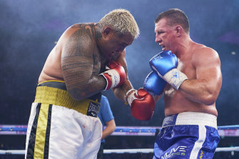 Gallen, right, claimed the biggest scalp of his boxing career via a unanimous points decision against Mark Hunt.