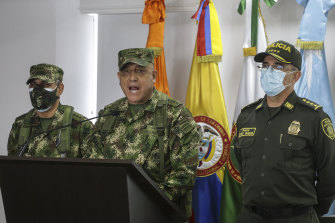 Colombian Armed Forces Commander General Luis Fernando Navarro, centre National Police Director General Jorge Luis Vargas, right, and Army Commander General Eduardo Zapateriro.