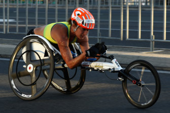 Eliza Ault-Connell tackles the marathon at the Gold Coast Paralympics in 2018.