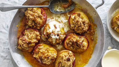 Baked peaches with polenta and almond crumble