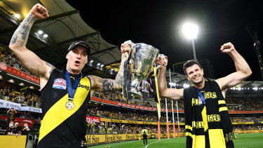 Martin and Cotchin with the 2020 premiership cup.