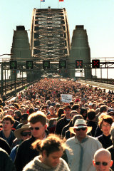 Around 300,000 people marched across Sydney Harbour Bridge in 2000 in support of reconciliation.