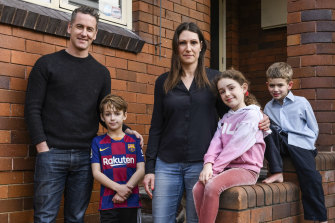 Justin Cassar and Jessica Green and their children, Charlie, Lola, and Louis, are unable to go on their planned holiday to Queensland due to new COVID-19 restrictions.