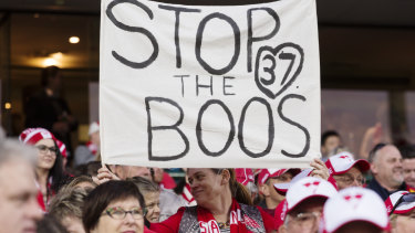 Sydney Swans fans supporting Adam Goodes after he was targeted.