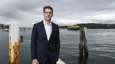 Liberal Party executive Alex Dore says the state government was wrong to keep two of the Freshwater ferries part-time.