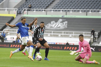 Everton's Dominic Calvert-Lewin scores against Newcastle at St James' Park on Sunday.