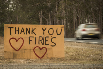 Warm messages of support to fire fighters at Yarravel.