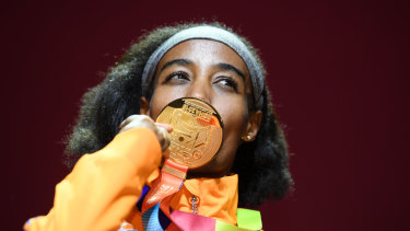Sifan Hassan of the Netherlands kisses her gold for the women's 1500 metres during the medal ceremony.