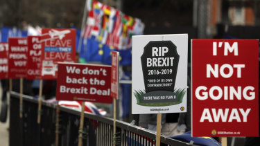 Demonstrators on both sides are still campaigning on Brexit.