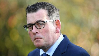Senior Victorian public servants cop COVID pay freeze