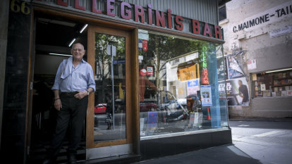 Pellegrini's co-owner Nino Pangrazio to retire after 45 years at Melbourne cafe