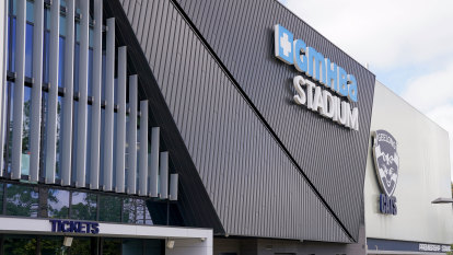 Club directors step forward with meal program for stood down Geelong staff