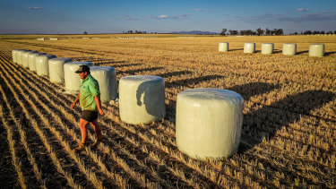 Farmers are warning the federal government they will not bear the burden of future climate policy.