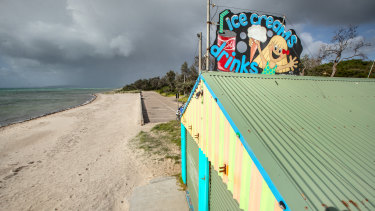 All quiet on the Rosebud foreshore as Melbourne and beyond brace for rough weather.
