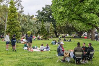 Picnics at the Royal Botanic Gardens.