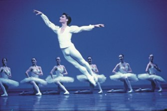 David McAllister in Lander's Études, 1986 – ''one of my favourite solos''. Left to right: Miranda Coney, Tanya Rhodes, Joady Chambers, McAllister, Margaret Illmann, Ulrike Lytton and Michele Goullet.  From Soar: A Life Freed by Dance by David McAllister with Amanda Dunn Published by Thames & Hudson, October 2020