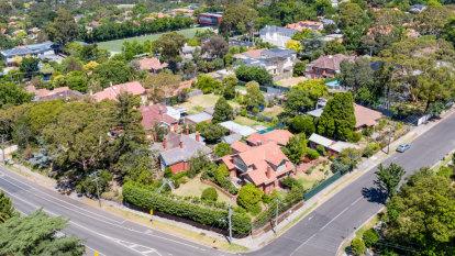 Melbourne's Sunshine coast investors sell up