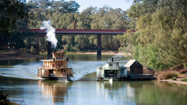 The tourism industry says businesses in border communities like Echuca and Moama, on opposites sides of the Murray River, will need ongoing financial assistance in the wake of coronavirus.