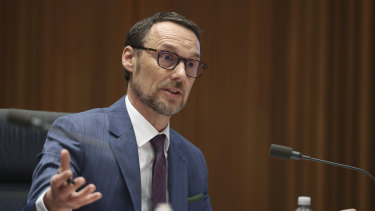 Director-general of the National Archives, David Fricker, has defended its legal spending.