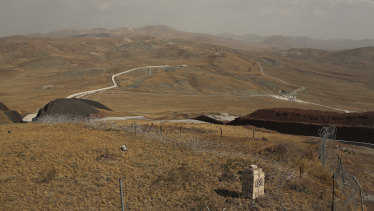 A security wall being erected along the frontier between Turkey and Iran, in Van Province.