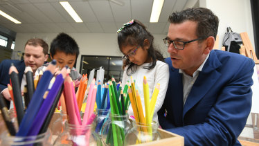 Daniel Andrews with students at the Bridgewater Intergrated Child and Family Centre in Berwick on Wednesday.