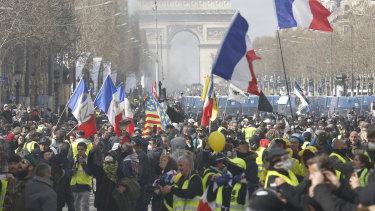 Yellow vest demonstrators on the Champs-Élysées on March 16.