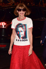 Anna Wintour supporting Hillary's 2016 bid for the presidency.