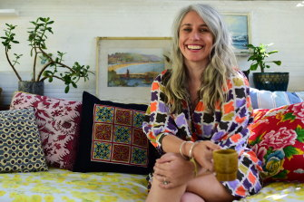 Fiona Poole podcasts her tips on how to be more environmentally friendly at home in Little Green Pod.