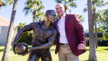 Allan Langer with his new statue at Suncorp Stadium.