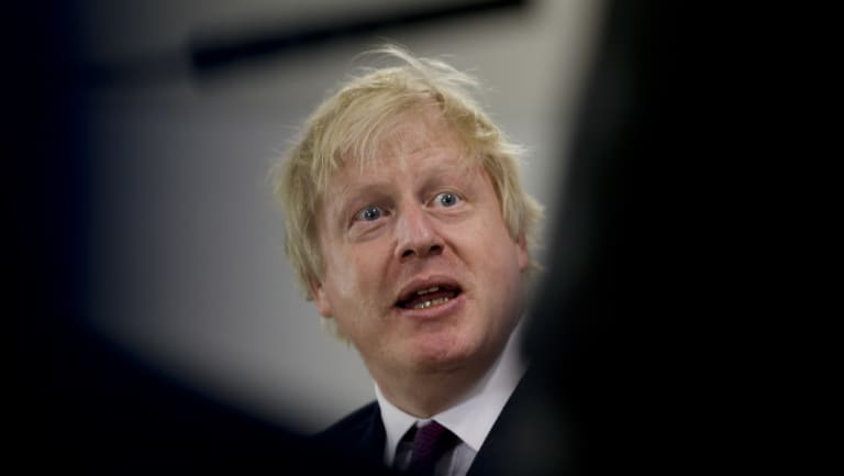 Former British foreign secretary Boris Johnson has attracted controversy with new comments on burqas.