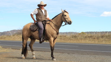 Inverell farmer Glenn Morris is on a five day horse trek to raise awareness about climate change.
