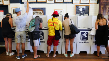 Voters in Bondi.