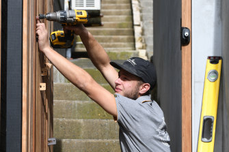 The federal government has tightened eligibility to its subsidy for apprentices and trainees.
