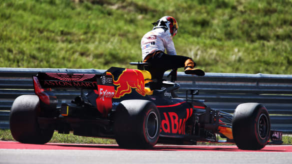 Ricciardo's frustration boils over, 'putting his fist through the wall'