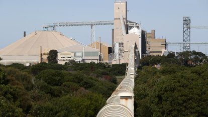 'This thing is in trouble': future of Alcoa's energy-hungry smelter looks bleak