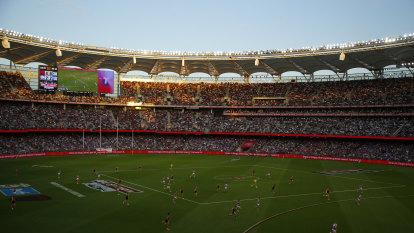 Perth Ashes Test getting shakier despite AFL grand finale