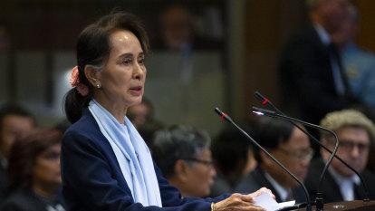 Suu Kyi urges court to drop Rohingya genocide case