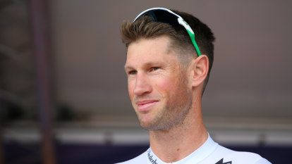 Renshaw pushes last pedal strokes as pro cyclist