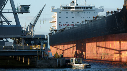'A port with no use': ACCC warns NSW government deal could cost Newcastle